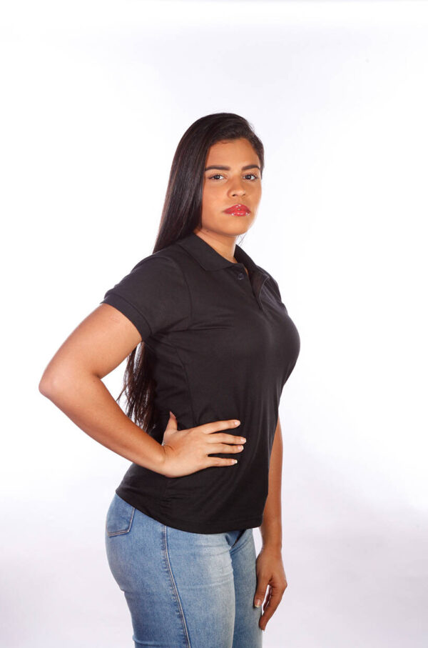 camisa-polo-para-empresa-classica-feminina-preta-lado-2