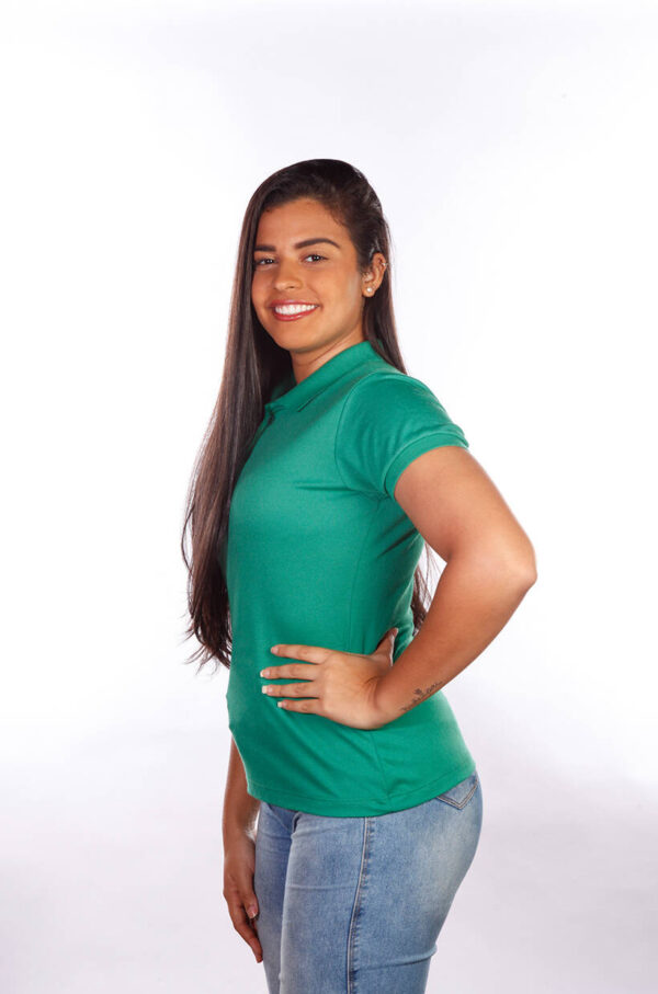 camisa-polo-para-empresa-classica-feminina-verde-bandeira-lado
