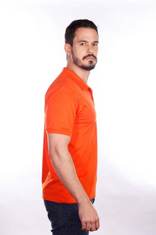 camisa-polo-para-empresa-classica-masculina-laranja-lado-2