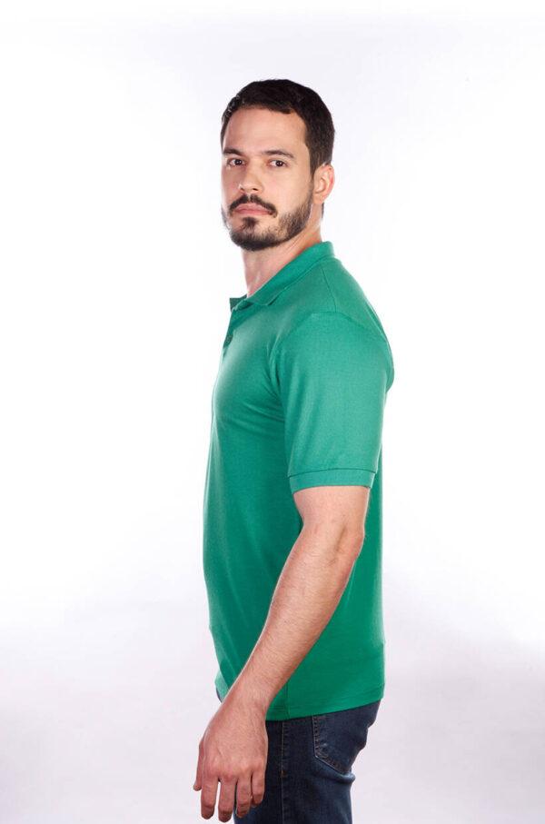 camisa-polo-para-empresa-classica-masculina-verde-bandeira-lado-2