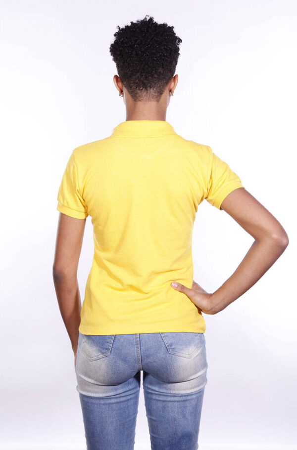 camisa-polo-para-empresa-ecoline-feminina-amarela-costas