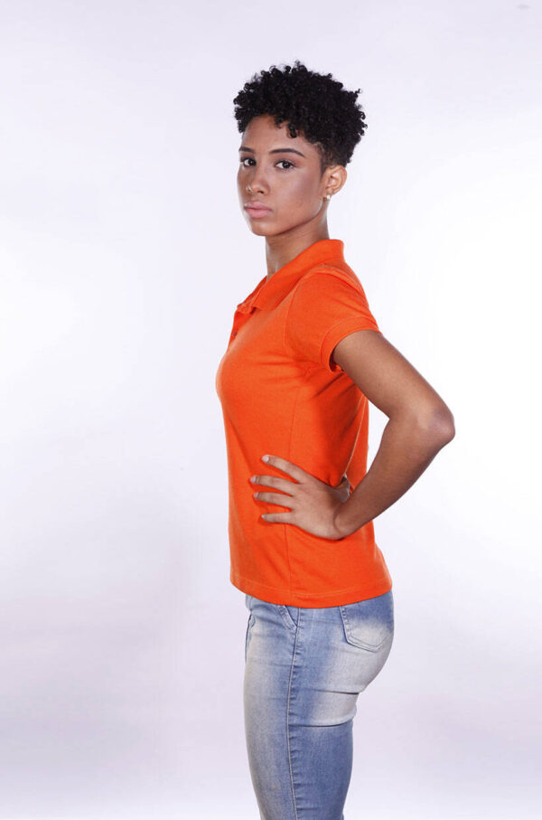 camisa-polo-para-empresa-ecoline-feminina-laranja-lado