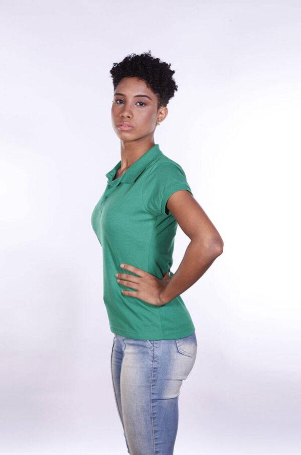 camisa-polo-para-empresa-ecoline-feminina-verde-bandeira-lado