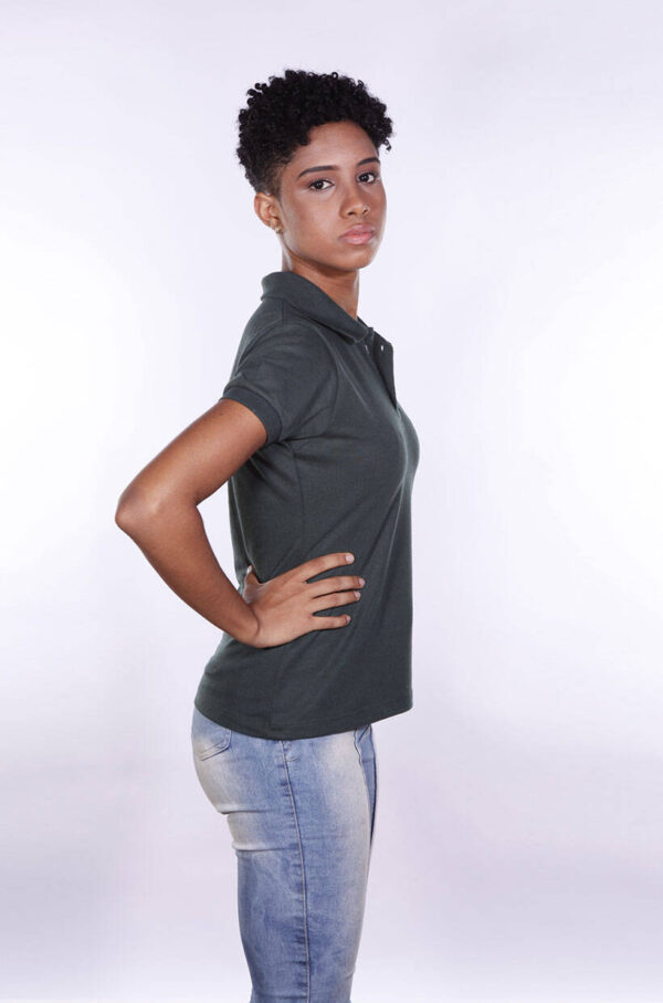 camisa-polo-para-empresa-ecoline-feminina-verde-musgo-lado-2