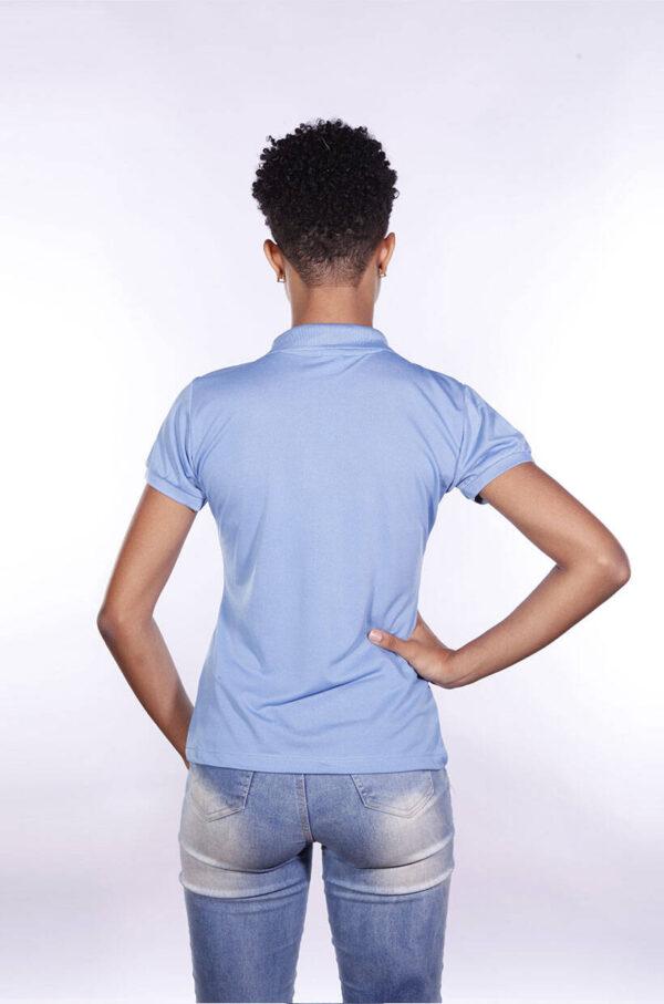 camisa-polo-para-empresa-poliester-feminina-azul-celeste-costas