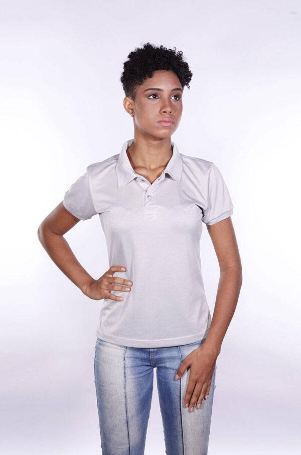 camisa-polo-para-empresa-poliester-feminina-cinza-claro-detalhe