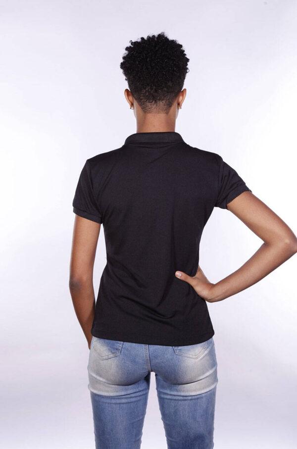 camisa-polo-para-empresa-poliester-feminina-preta-costas