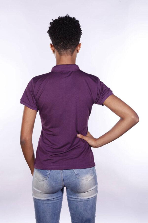 camisa-polo-para-empresa-poliester-feminina-roxa-costas