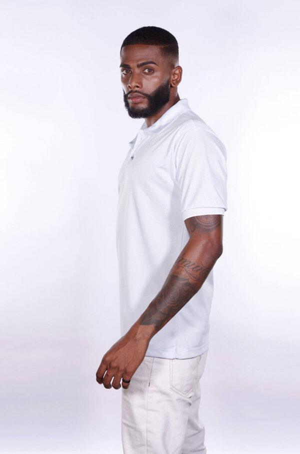 camisa-polo-para-empresa-poliester-masculina-branca-lado-2