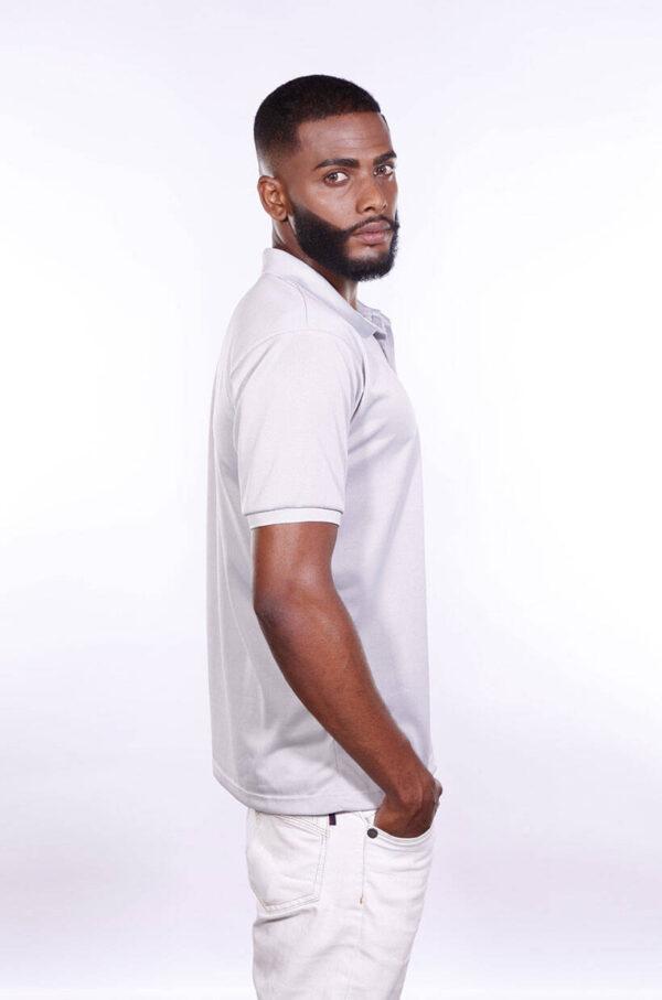 camisa-polo-para-empresa-poliester-masculina-cinza-claro-lado-2