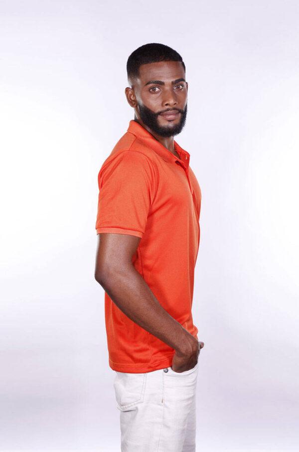camisa-polo-para-empresa-poliester-masculina-laranja-lado-2