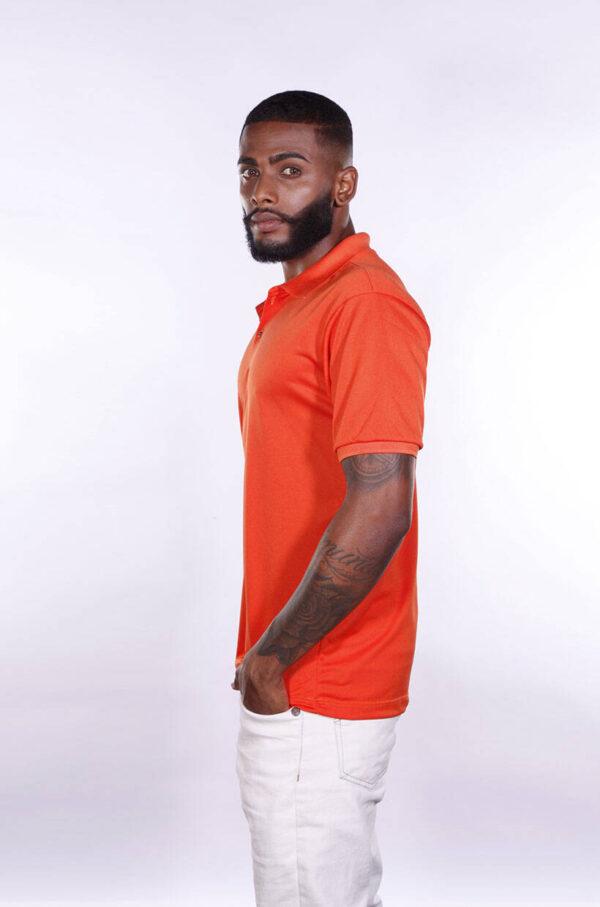 camisa-polo-para-empresa-poliester-masculina-laranja-lado