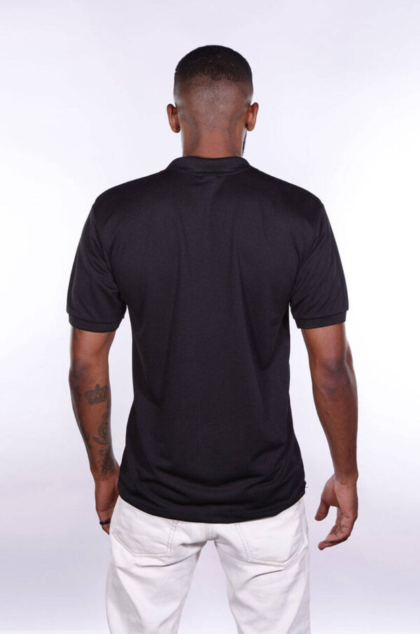 camisa-polo-para-empresa-poliester-masculina-preta-costas