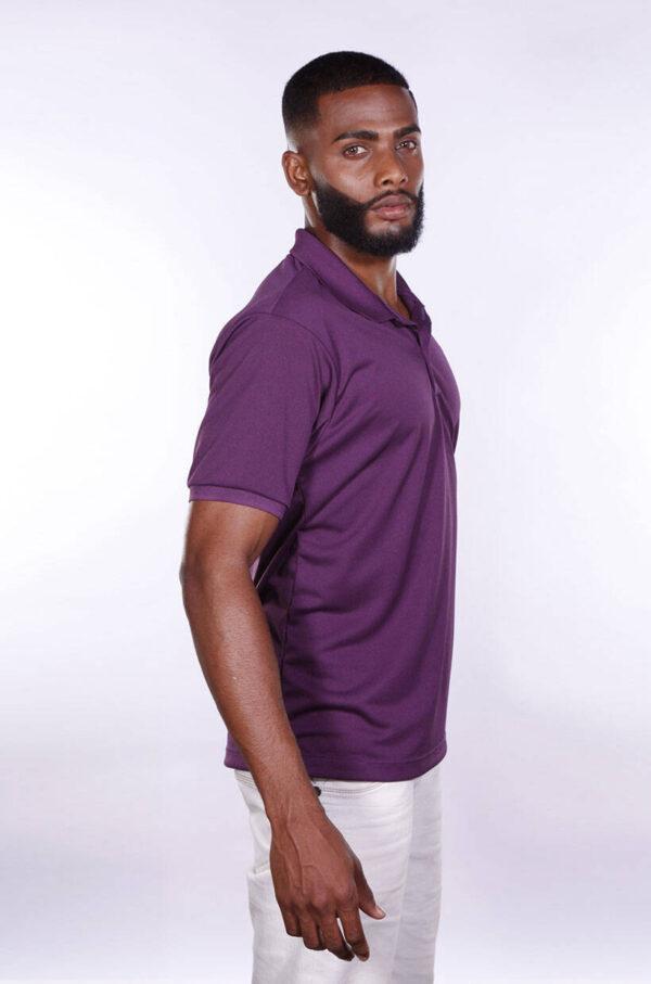 camisa-polo-para-empresa-poliester-masculina-roxa-lado-2