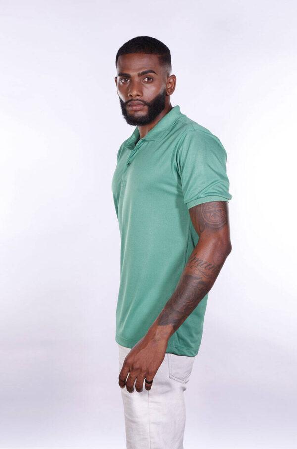 camisa-polo-para-empresa-poliester-masculina-verde-bandeira-lado-2